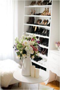 flores en el vestidor