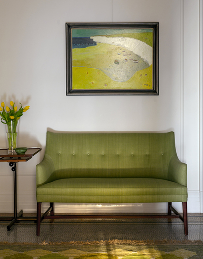 Apthorp Apartment Frits Henningsen sofa