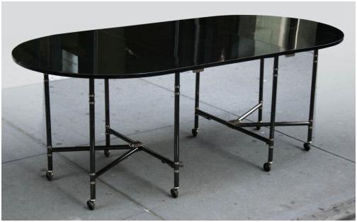 """La mítica Table Royale de Maison Jansen, la única mesa plegable más """"chic"""" de la historia"""