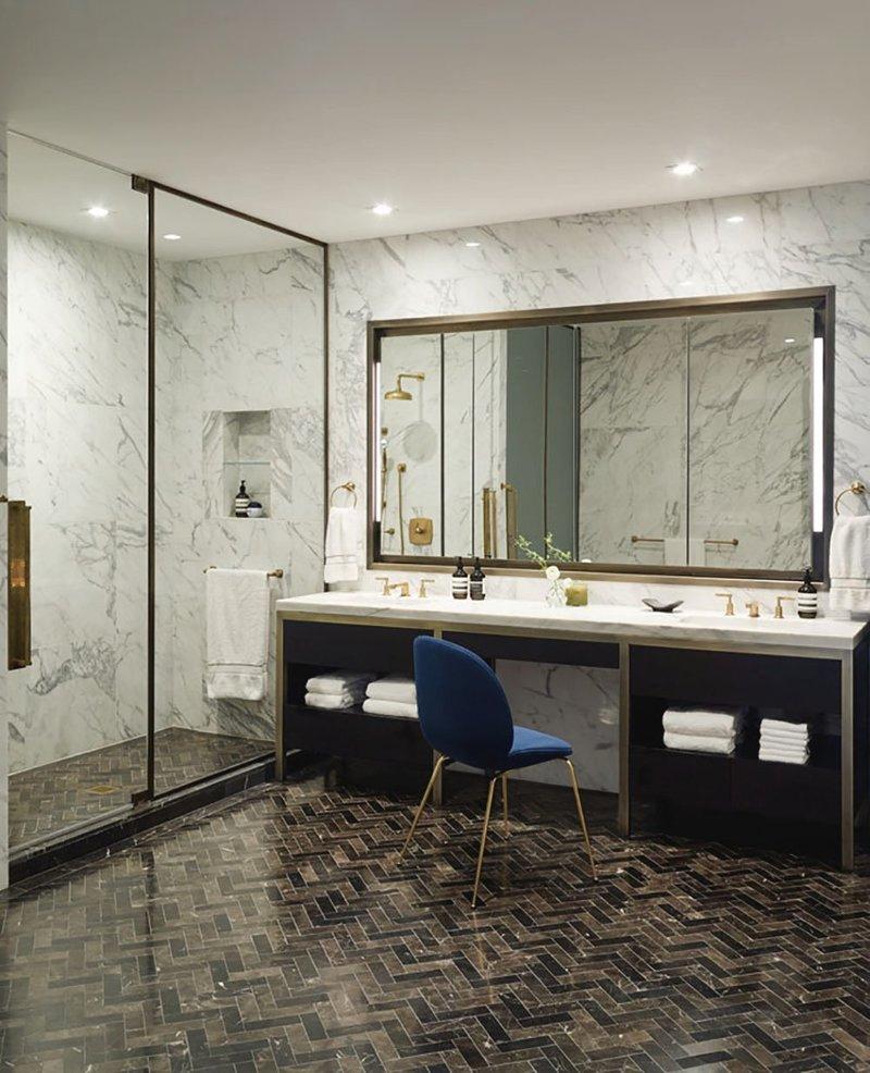 Baño principal apartamento en chelsea