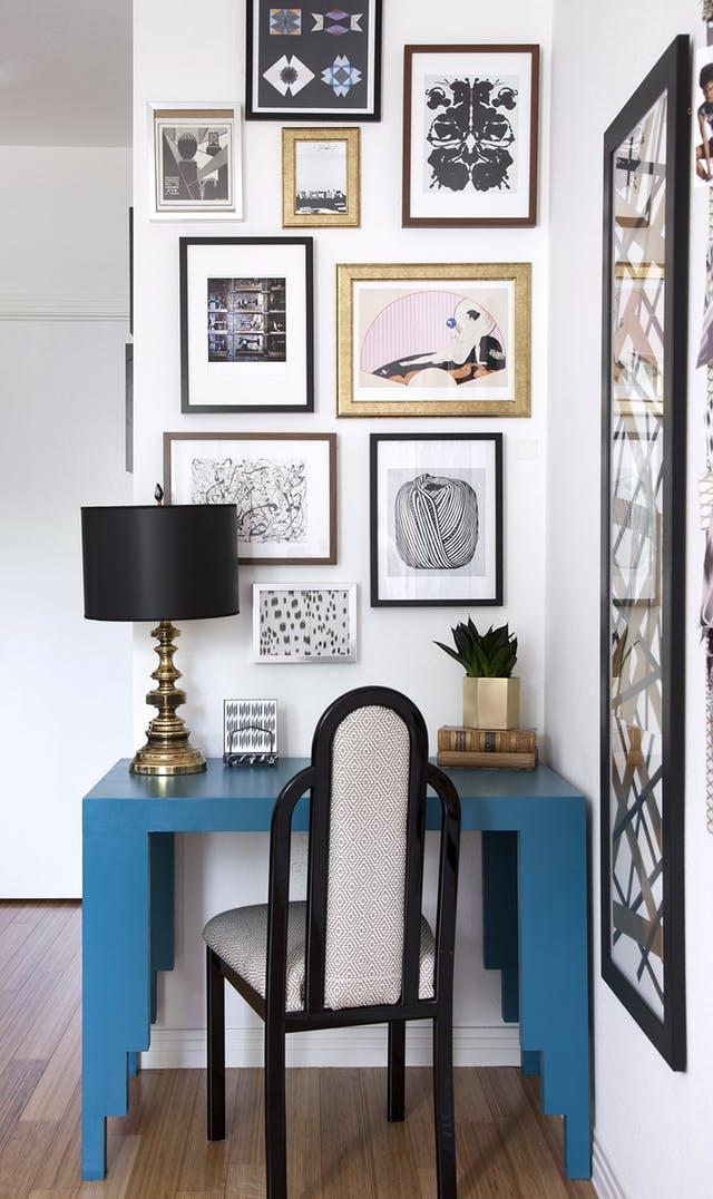 arte y marcos en la pared