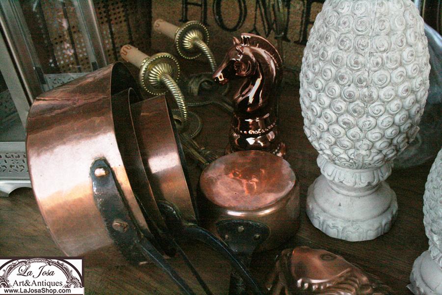 Onjetos y anticulos de cobre para decorar antiguos nuevos o vintage se veneden en la tienda online de decoracion La Josa Shop Antiques vintage
