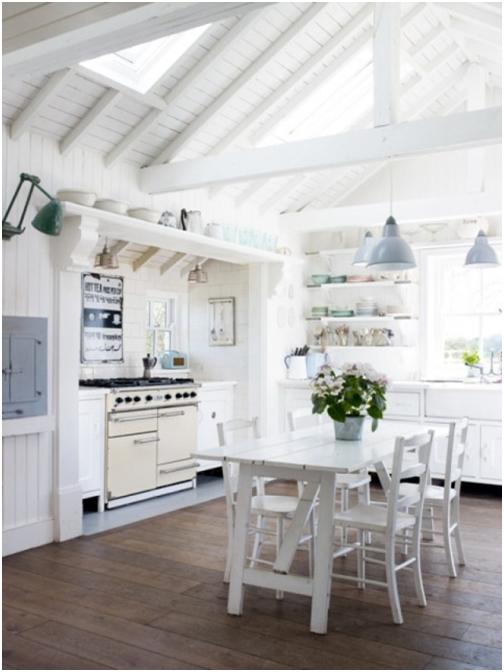 techo y mesa blanca